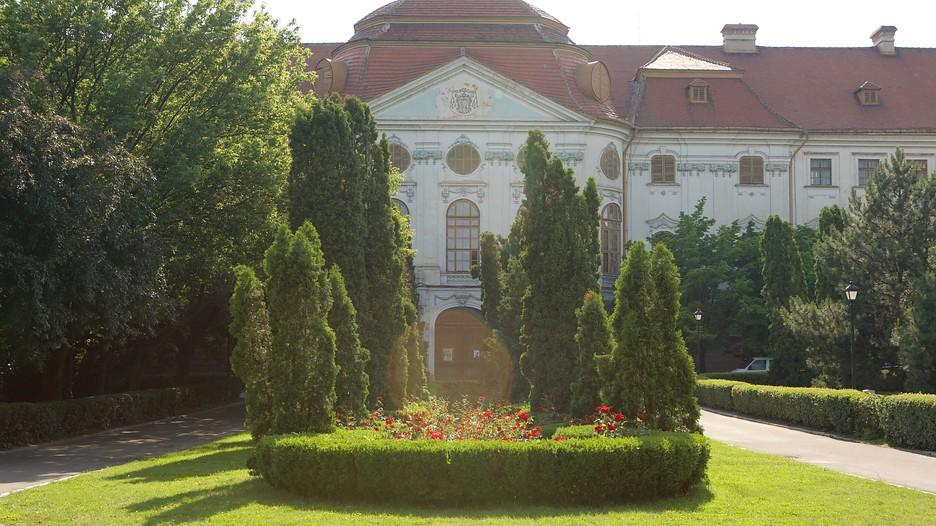 Baroque palace oradea attraction for Baroque hotel