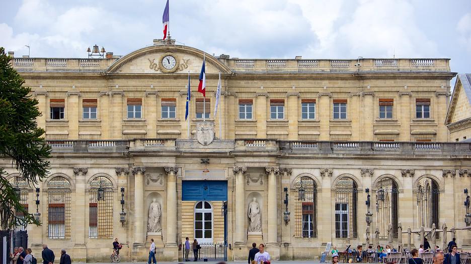 Hotel De Ville Paris Attraction