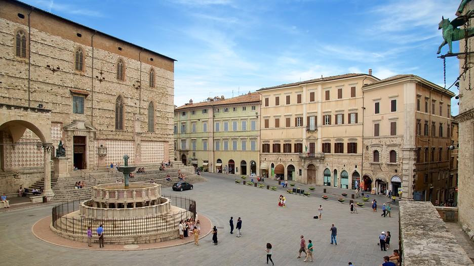 Piazza iv novembre in perugia expedia for Arredare milano piazza iv novembre