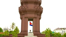 Independence Monument - Phnom Penh