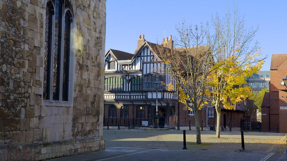 Tudor House And Garden In Southampton England Expedia