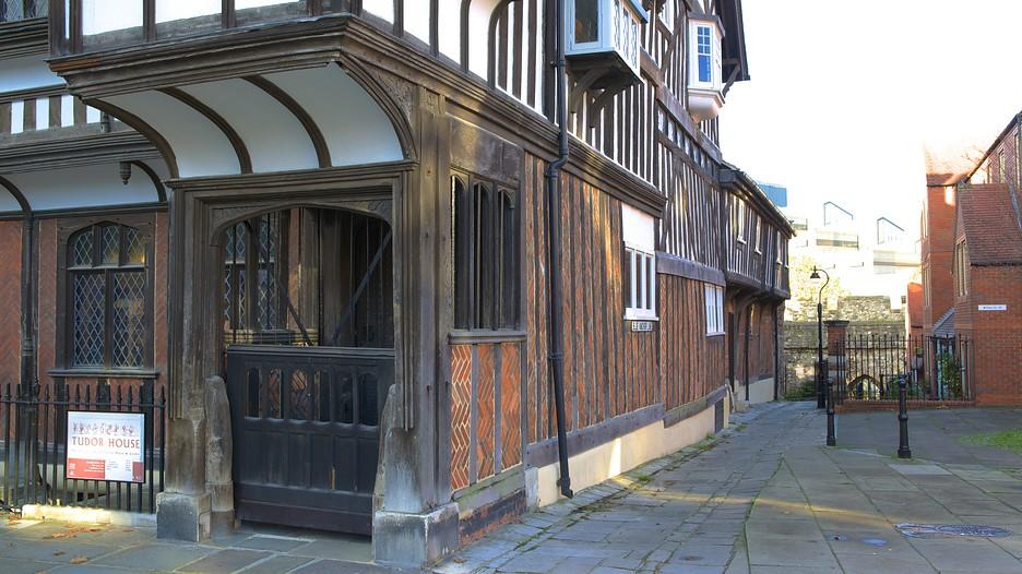 Tudor House And Garden Southampton England Attraction