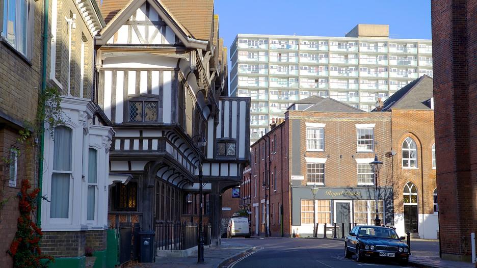 Tudor House And Garden In Southampton England Expedia Ca