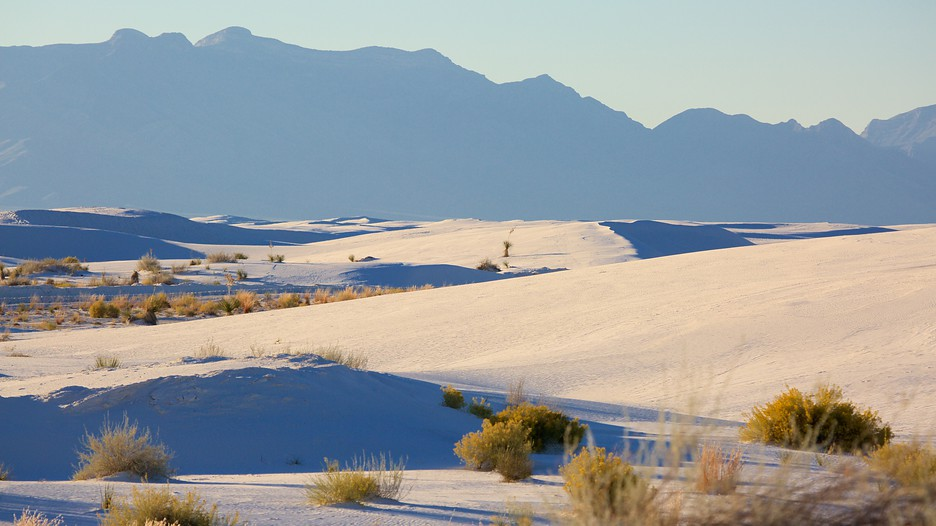 A visit to White Sands National Monument - The Traveling