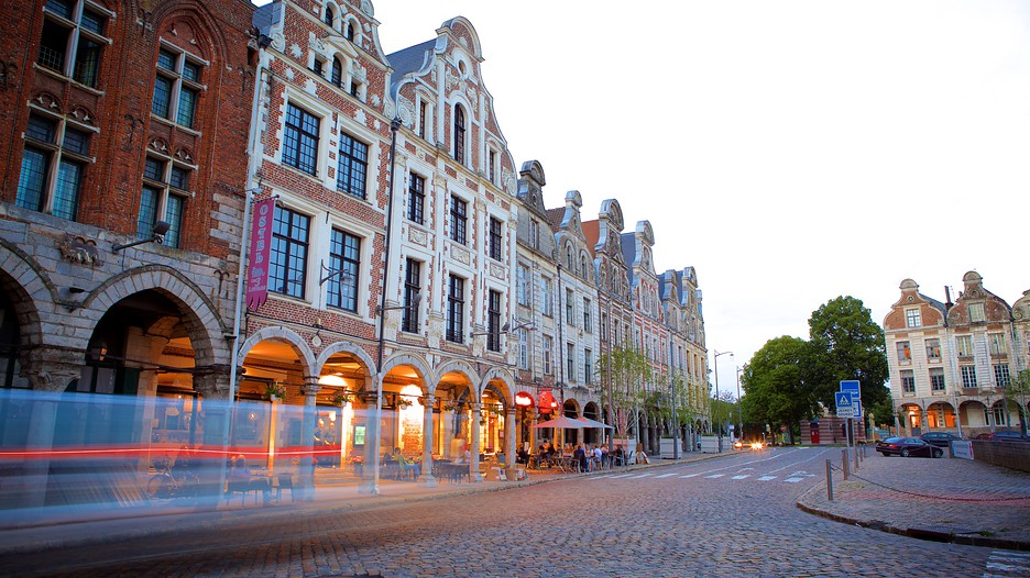 grand place in arras hauts de france. Black Bedroom Furniture Sets. Home Design Ideas