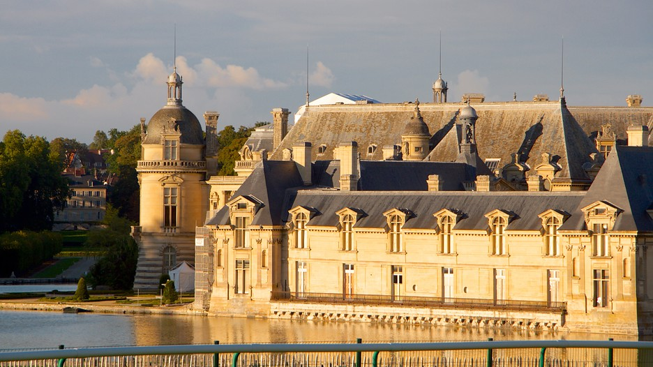 chateau de chantilly in chantilly hauts de france expedia. Black Bedroom Furniture Sets. Home Design Ideas