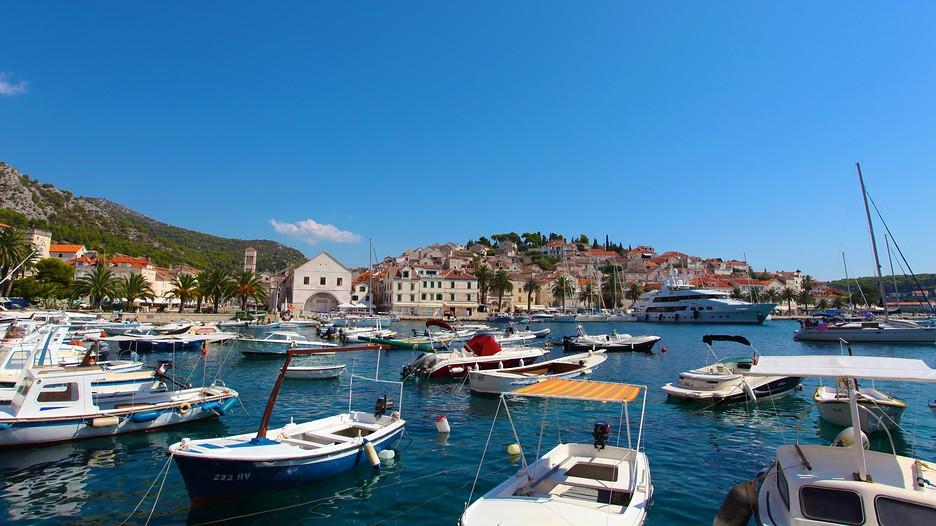 Hvar vacations 2017 package save up to 603 expedia for Hvar tourismus