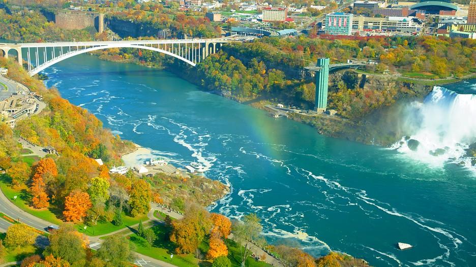 Rainbow Bridge In Niagara Falls New York Expedia