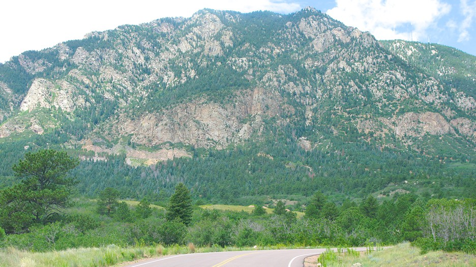 how tall is cheyenne mountain