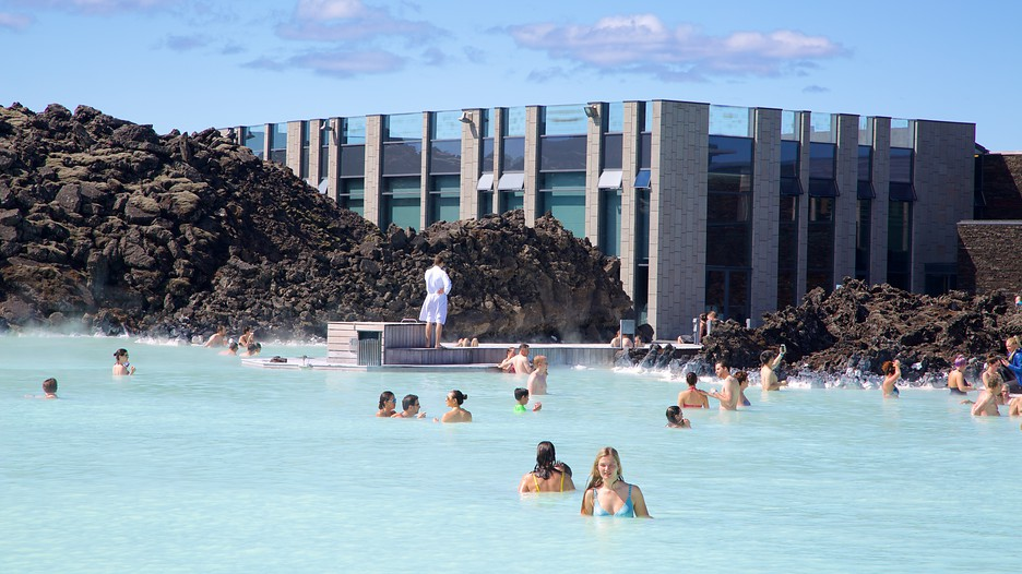 Cheap package deals to reykjavik