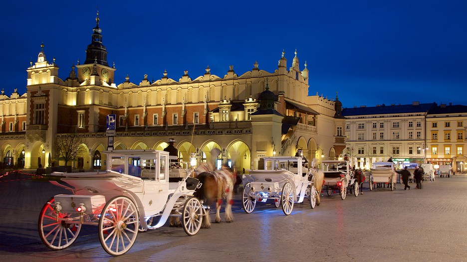 Krakow Poland Vacations 2017: Package amp; Save Up to $C590 on our