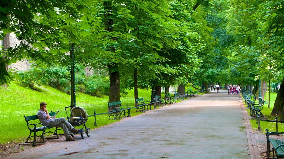 planty park krakow attraction