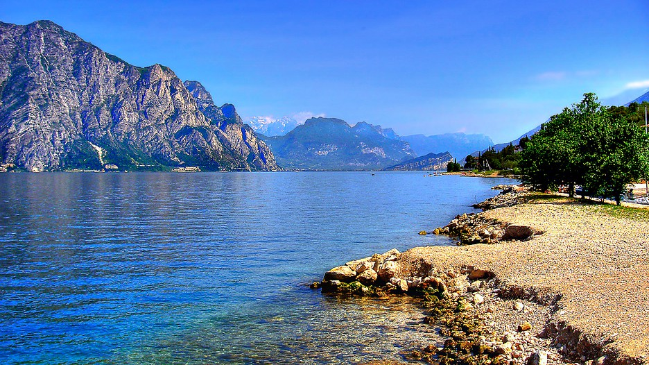 Lake Garda Vacations: Package amp; Save up to $603 in 2017