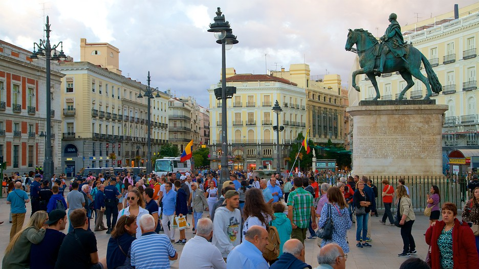 Puerta del sol in madrid expedia for Puerta del sol madrid