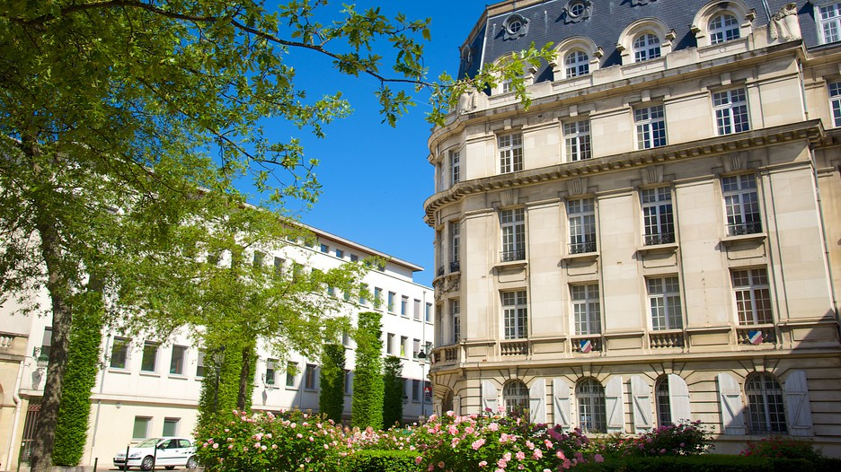 Loiret holidays book cheap holidays to loiret and loiret for Orleans loiret