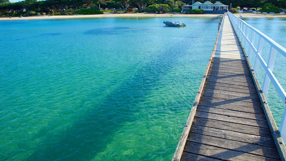how to get to mornington peninsula from melbourne cbd