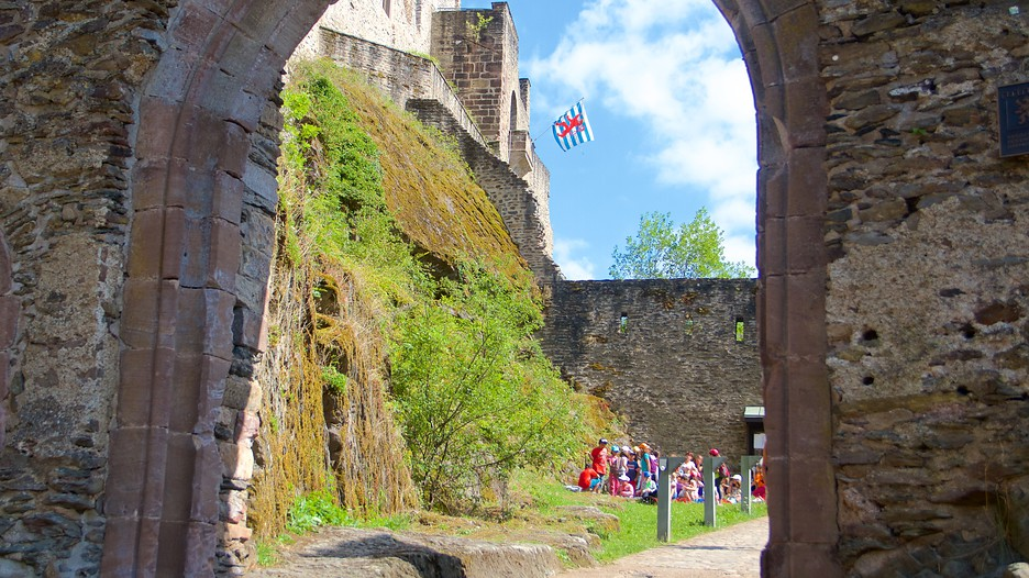 vianden castle price