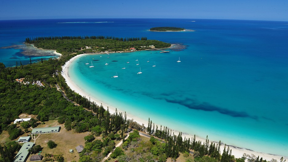 how to get to new caledonia from australia
