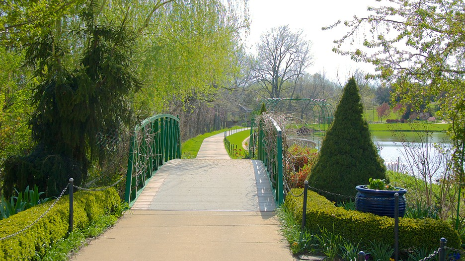 Overland Park Arboretum And Botanical Gardens In Overland