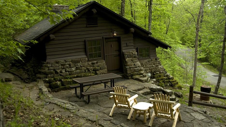 Devil 39 s den state park in west fork arkansas Devils fork state park cabin rentals
