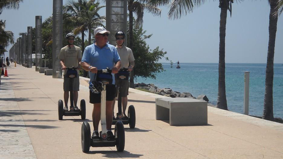Miami South Beach Bike Tour - getyourguide.com