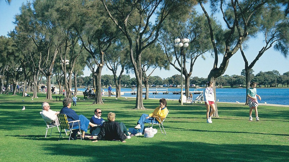 Mandurah Australia  city photo : Mandurah Travel, Australia | Find holiday information | Expedia.com.my