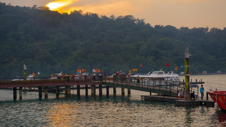 hotels near moon lake attractions nantou