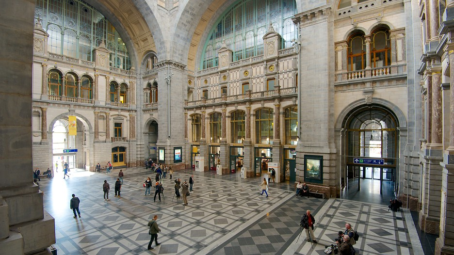Inner view of Central Station