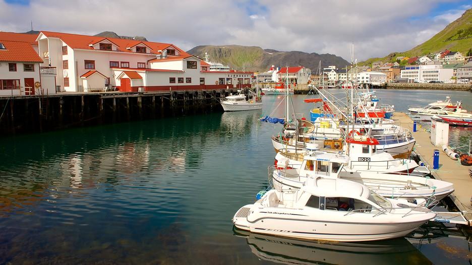 Honningsvag Port in Nordkapp,  Expedia