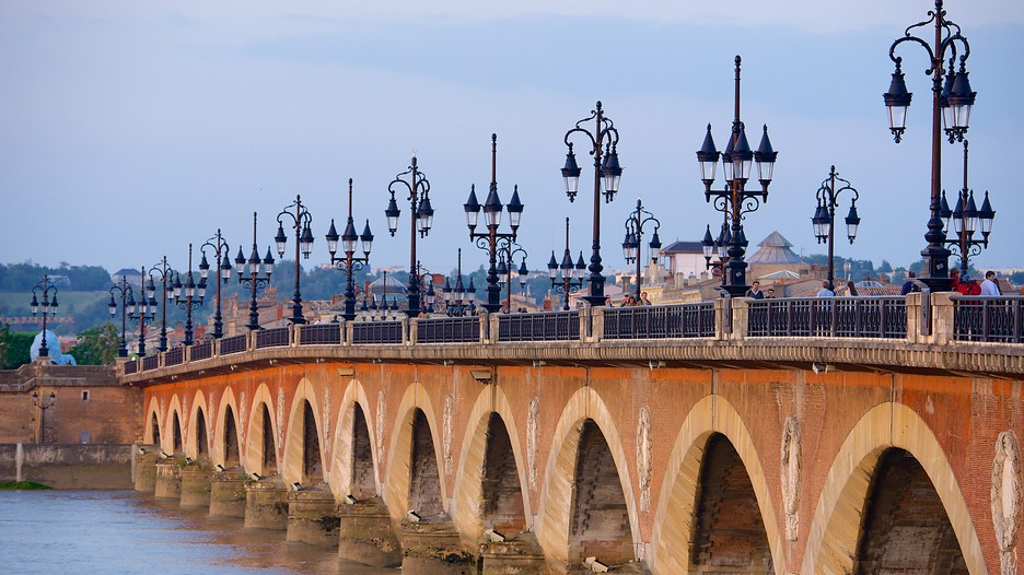 pont de pierre in bordeaux nouvelle aquitaine expedia. Black Bedroom Furniture Sets. Home Design Ideas