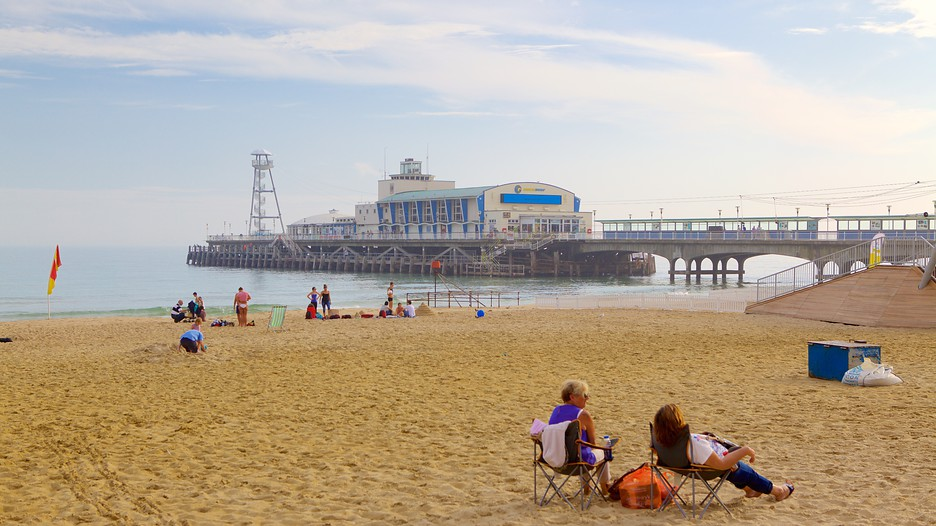Bournemouth Beach In Bournemouth England Expedia Ca