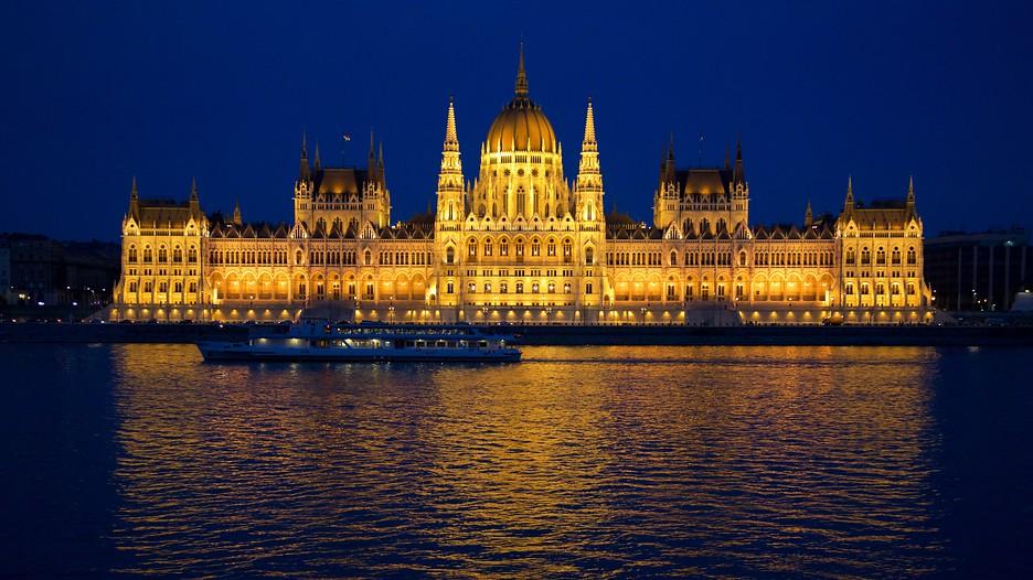 parlement d couvrez budapest avec. Black Bedroom Furniture Sets. Home Design Ideas