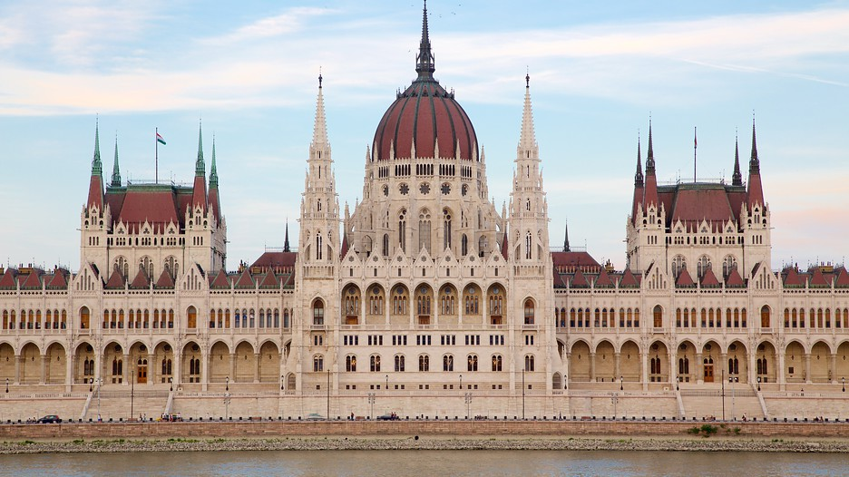 Parliament Building In Budapest Expedia