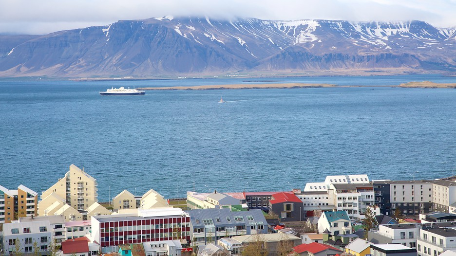 how to travel iceland cheap