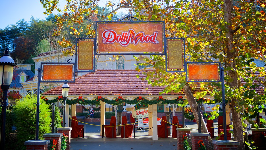 Dollywood In Pigeon Forge Tennessee Expedia