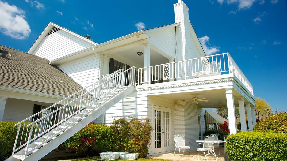 Southfork ranch in plano texas expedia for Southfork house plan