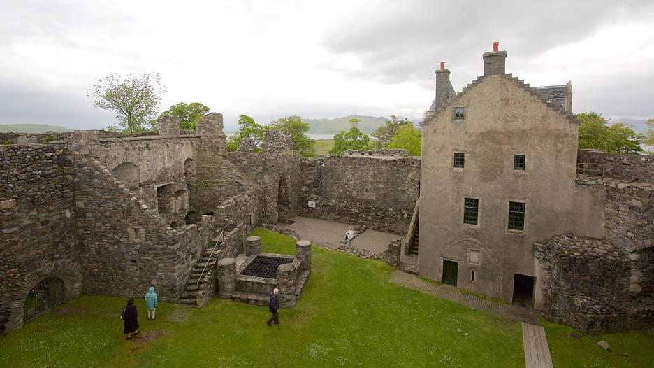 Dunstaffnage Castle And Chapel In Oban Scotland Expedia