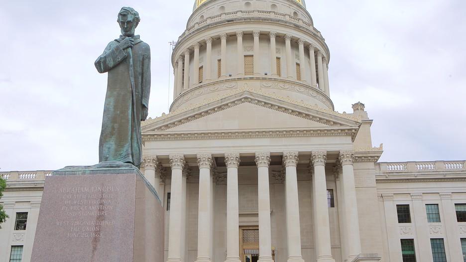 https://images.trvl-media.com/media/content/shared/images/travelguides/destination/917/West-Virginia-State-Capitol-Building-135691.jpg