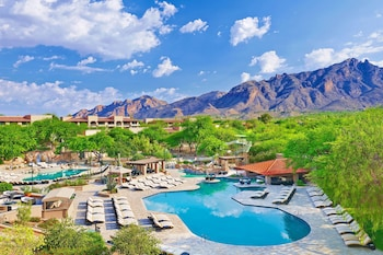3 outdoor pools, open 10:00 AM to 6:00 PM, free cabanas, pool umbrellas