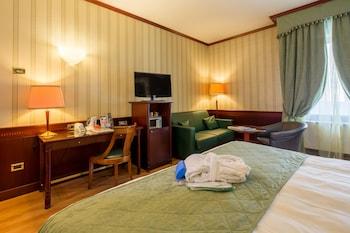 Hypoallergeen beddengoed, een minibar, een kluis op de kamer