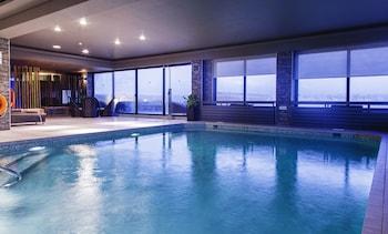 室內泳池、室外泳池;躺椅