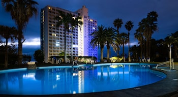 3 udendørs pools