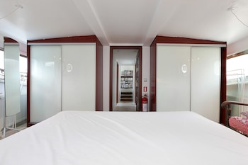 4 Schlafzimmer, italienische Bettbezüge von Frette