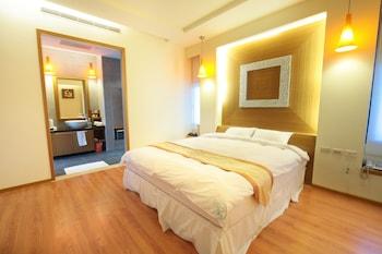 Ropa de cama de alta calidad, escritorio, acceso en silla de ruedas