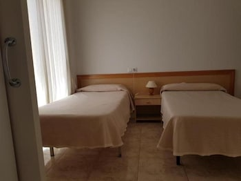 1 bedroom, in-room safe, free WiFi, wheelchair access