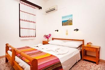 1 Schlafzimmer, kostenlose Babybetten, kostenpflichtige Zustellbetten