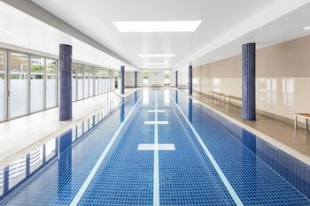 실내 수영장, 야외 수영장, 05:00 ~ 22:00 오픈, 수영장 파라솔, 일광욕 의자