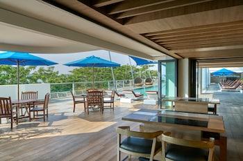 야외 수영장, 06:00 ~ 22:00 오픈, 수영장 파라솔, 일광욕 의자