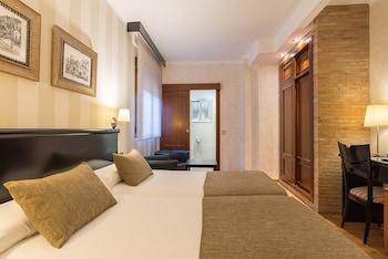 Zimmersafe, individuell dekoriert, Schreibtisch, kostenloses WLAN