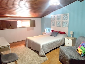 Free cots/infant beds, free WiFi, linens
